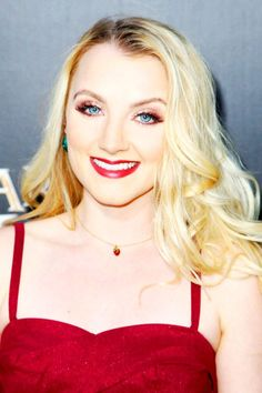 Evanna Lynch attends the 'Wizarding World of Harry Potter Opening' at Universal Studios Hollywood, 5 Apr. 2016