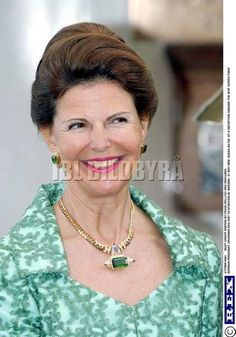 Queen Silvia Emerald and Gold Necklace and Earrings. The pendant looks like it might be from Princess Soraya of Iran's auction..anyone confirm?