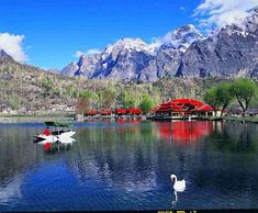 Shangrila Lake or Lower Kachura Lake is a part of Shangrila Resort that is located in Skardu region of Pakistan. Pakistan is a developing. The Beautiful Country, Beautiful Places In The World, Amazing Places, Shangrila Resort, Whatsapp Apk, Pakistan Travel, Thing 1, Heaven On Earth, Hotels And Resorts