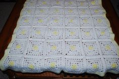 Vintage Afghan Yellow Daisies on White by CheekyVintageCloset, $22.00