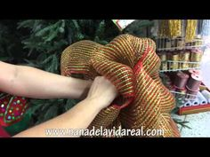 Christmas Work Garland Part 1 Christmas Door Decorations, Christmas Wreaths, Christmas Crafts, Merry Christmas, Christmas Ornaments, Holiday Decor, Garland, Youtube, Xmas Ideas
