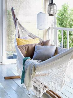 10 Inspirational Ideas How To Make Your Own Balcony Paradise - Top Inspirations