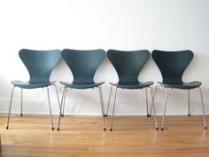 4 Fritz Hansen Series 7 Arne Jacobsen Chairs