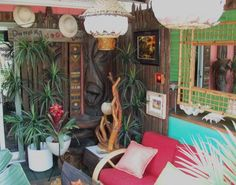 Awesome Tiki Yard. Click to see more photos. I'm in Tiki heaven.