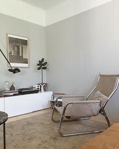 Tikkurila laasti Barcelona Chair, Interior Design Living Room, Color Inspiration, Sweet Home, Bedroom, House, Painting, Furniture, Beautiful Wall