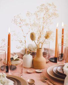 Trending Now: Terra-Cotta Wedding Décor terra cotta decor small vases and flowers with candles Wedding Centerpieces, Wedding Decorations, Table Decorations, Table Flowers, Flower Vases, Verde Greenery, Deco Originale, Table Arrangements, Floral Arrangements