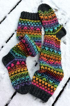 These are yummy! Love that rainbow yarn. Fair Isle Knitting, Knitting Socks, Knitting Stitches, Hand Knitting, Knitting Designs, Knitting Patterns, Fluffy Socks, Knit Basket, Crazy Socks