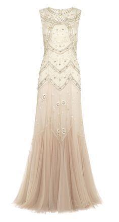 Net-a-Porter dévoile une collection capsule réalisée par la marque Needle & Thread sur son site de mode de luxe en ligne. Les robes de mariées sont disponibles à des prix accessibles, loin de ceux proposés habituellement par le groupe anglais.
