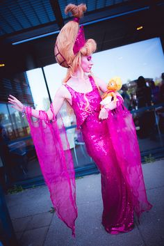 Hera from Hercules. wow! this costume is so well done, especially the hair! how did she DO that?
