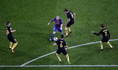 La vida deja de sonreír al Barça sin Messi y permite al Atlético irse vivo