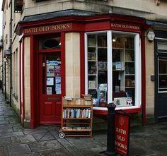 bookmania: Bath Old Books, Bath. A bookshop located at Margarets Buildings in the Avon town of Bath that offers a good range of second-hand stock on two floors. Bath Old Books particularly caters for readers interested in art books, illustrated books, c Pretty Things, Literary Travel, Vintage Laundry, Best Bath, Shop Around, Old Books, Book Nooks, Store Fronts, Great Books