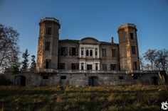 Château Stranieri - Urbex Session : An Abandoned World