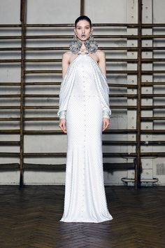 givenchy haute couture 2012. - This is brilliant! I love it! I bet it looks 10x prettier when she moves..those sleeves.. <3