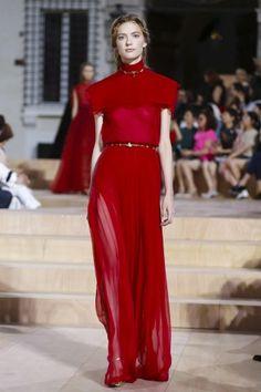 Valentino Couture Fall Winter 2015 Fashion Show in Paris 1d51f3fd0fb