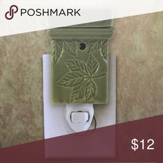 🍰30% OFF BUNDLES🍰 Birthday bash ✨BRAND NEW IN BOX✨ LAST 2 LEFT!!! NOT Scentsy but just as cute!!! Give the perfect hostess gift with this SONOMA green leaf wax melt. PRODUCT FEATURES Pretty design pops against your decor. One ceramic electric wall plugin warmer One 15 watt lightbulb. Ceramic Wipe clean. 5.5 INCHES TALL WILL MELT YOUR WAX MELTS AND MAKE THE WHOLE HOUSE SMELL GOOD. Limited time get 30% off on all bundles... see my closet! Also receive FREE WAX MELTS with purchase through…