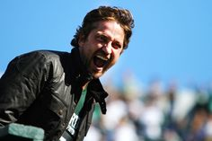 SPARTANS!!!! WHAT IS YOUR PROFESSION!!!! (That's right, that's Gerard Butler wearing MY school's colors!) Back in 2010, he visited MSU for midnight madness and attended the football game the next day- his first American football game. Oh hell yes, I'm proud to be a Spartan!