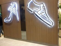 Toilet sign... I was wearing sneakers, so i simply couldn't accept this #toilet #toiletsign
