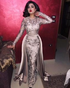 Anyone who's ever been involved in preparing or planning a wedding, whether small or large, will tell you what an ordeal it can be. Hijab Prom Dress, Hijab Evening Dress, Evening Dresses, Couture Dresses, Bridal Dresses, Fashion Dresses, Bridesmaid Dresses, Prom Dresses Long With Sleeves, Formal Dresses