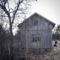 Haunted house... or just an old shed @kuulas_valo