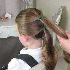 A sweet hairstyle! most popular and cute! By clipinhairextensions tutorial hairextensions hairstyles longhair braids Sweet Hairstyles, Little Girl Hairstyles, Braided Hairstyles, Wedding Hairstyles, Sweethearts Hair Design, Girl Hair Dos, Toddler Hair, Cornrows, Hair Videos