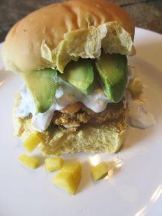 Shrimp burger w creamy peach salsa & avacado slices Shrimp Burger, Peach Salsa, Hamburger, Seafood, Sandwiches, Fresh, Guys, Cooking, Water