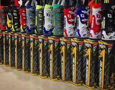 Lo sapevate che esistono oltre 12 colori dei nuovi stivali #GAERNE SG12 ??? Al megastore #ValeriSport potrete trovare l'intera collezione 2017 !!! www.valerisport.it #gaerneboots #sg12 #gaernesg12 #boots #cross #offroad #fullcolors #colors #dh #sidi #alpinestars #mx #mxgp #mx1 #mx2 #endurolife #motocrosslife