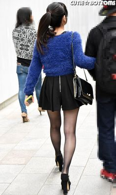 Real QT Girls on the Street Pantyhose Outfits, In Pantyhose, Nylons Heels, Stockings And Suspenders, Black Stockings, Beautiful Asian Women, Beautiful Legs, Black Tights, Black Nylons