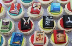 Charles Dickens, parlando della copertina di un libro, disse che ci sono libri le cui copertine sono di gran lunga le parti migliori. È bene giudicare un libro dalla copertina? Perché le persone do...