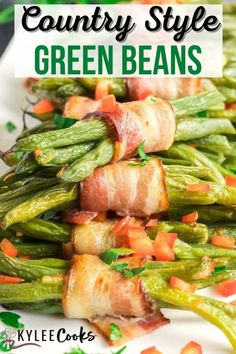Bacon-wrapped Green Beans are the BEST side for holidays! Fresh green bean bundles are easy to grab and soon to be family favorite! Perfect for family gatherings! Make ahead and get ready to dig in! #side #beans #greenbeans #sidedish #kyleecooks Easy Appetizer Recipes, Supper Recipes, Healthy Appetizers, Side Dish Recipes, Veggie Recipes, Potato Side Dishes, Best Side Dishes, Healthy Side Dishes, Vegetable Side Dishes