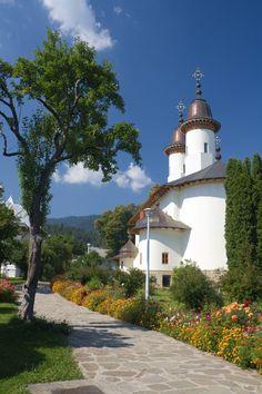Văratec Monastery | Neamţ County | Romania | Photo By Yair Karelic
