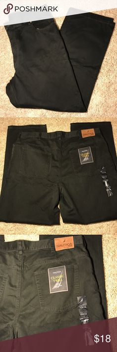 Nautica classic twill pants Hunter green NWT men's pants.  Could pass for very dark gray. Classic twill J-class style.  Made by Nautica size 40x32. Nautica Pants