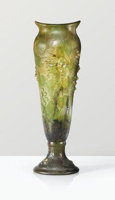 daum vase, vers 1910 ||| object ||| sotheby's pf1434lot72xd8es