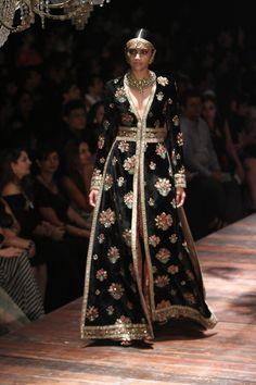 Sabyasachi at Lakmé Fashion Week Winter/Festive- 2016 Lakme Fashion Week, India Fashion, Ethnic Fashion, Asian Fashion, Indian Inspired Fashion, Pakistan Fashion, Lehenga, Anarkali, Sharara