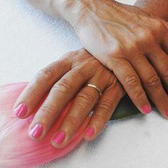#manicure #vinylux #vinyluxpolish #hotpopink #CNDshellac