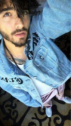 Beautiful Men Faces, Gorgeous Men, Pretty Men, Pretty Boys, Maluma Haircut, Maluma Pretty Boy, Spanish Men, Cute Boy Photo, Swag Boys