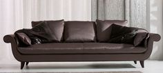 4QO8rivoli sofa 1