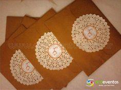 Sobres vintage con detalle en blonda y sticker
