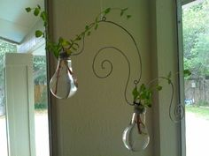 Recycled Light Bulb Crafts | Recycled lightbulb planters | Geekcrafting and Uberdorking