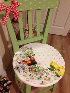 Decopage Furniture, Bright Painted Furniture, Painted Wooden Chairs, Wooden Room, Hand Painted Furniture, Funky Furniture, Paint Furniture, Furniture Makeover, Upcycled Furniture