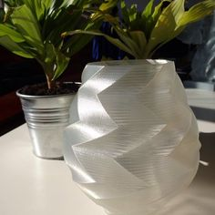 3dprinted vase with transparent filament