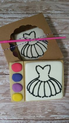 If I can make paintable cookies work these would be great for her party friends. Fancy Cookies, Cut Out Cookies, Royal Icing Cookies, Ballerina Cookies, Cookie Designs, Cookie Ideas, Meringue, Paint Cookies, Cupcakes
