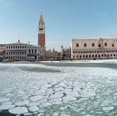 Bacino di San Marco ghiaccato - Venezia