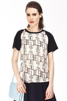 http://www.anacondemoda.es/productos/camiseta-kling-acciaio https://www.facebook.com/pages/Ana-Conde-Moda/151141098261109