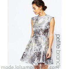 Buy Little Mistress Petite Metallic Prom With Open Back at ASOS. With free delivery and return options (Ts&Cs apply), online shopping has never been so easy. Get the latest trends with ASOS now. Open Back Prom Dresses, Prom Dresses With Sleeves, Petite Evening Gowns, Metallic Prom Dresses, Petite Dresses, Latest Fashion Clothes, Ball Gowns, Prom Gowns, Beautiful Dresses
