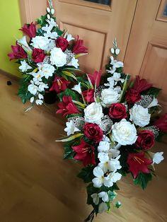 Christmas Wreaths, Floral Wreath, Holiday Decor, Home Decor, Ideas, Board, Roses, Christmas Swags, Room Decor