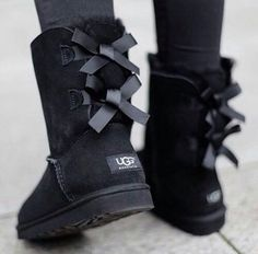 Black Bailey bow uggs Worn once.I don't have the shoe box but I have the ugg box that they were shipped in. Bought these from ugg Australia. Sorry NO TRADES on these UGG Shoes Botas Outfit, Ugg Boots Outfit, Ugg Shoes, Shoe Boots, Ankle Boots, Tall Boots, Classic Fashion Trends, Style Fashion, Fashion Shoes