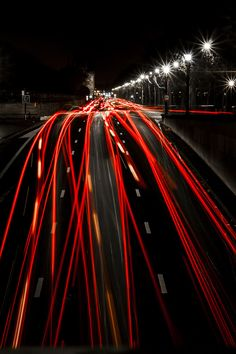 citylights at night by Jeroen Talens © , here repinned via Hansol Kim  Fantastic lighttrail Jeroen Talens captured here, true envy from my side