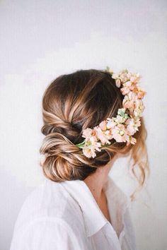 Romantic Flower Crown    #Trachtenfrisur #Wiesn