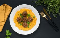 Risotto, Curry, Beef, Ethnic Recipes, Food, Wicker, Liquor, Meat, Curries
