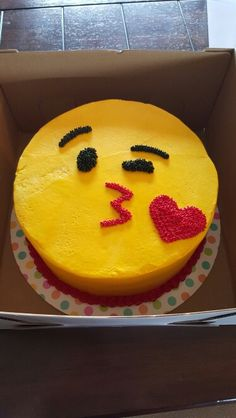 For my b dayEmoji cake Cupcake Birthday Cake, Birthday Treats, Cupcake Cakes, Emoji Cake, Cake Decorating Techniques, Specialty Cakes, Love Cake, Cakes And More, Party Cakes